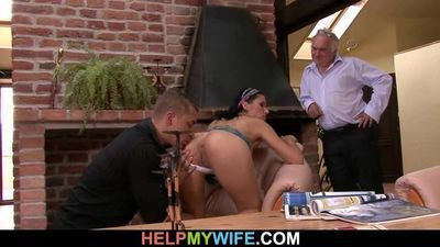 Young wife gets a cuckolding surprise