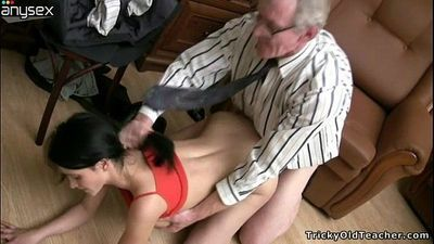 Old wanton stud in glasses fucks slim dark haired girlie fro