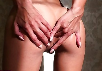 Amateur Teen 18yo Pussy and Anal Fingering