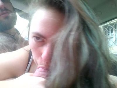 Pompino in macchina (car blowjob)
