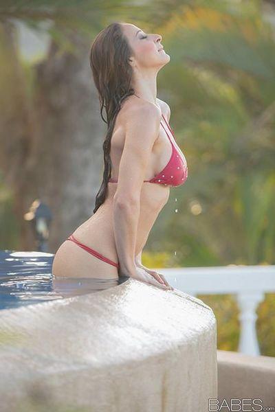Busty brunette slut Martina Gold fucks underwater in pool & gets cum on ass