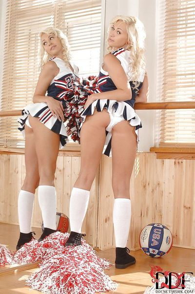 Cheerleader girls Tracy Lindsay with her girlfriend show ass