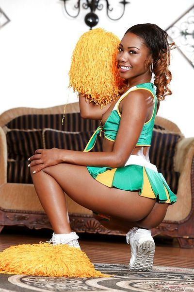 Cheerleader Chanell Heart flashing panty upskirt & showing naked ebony pussy - part 2
