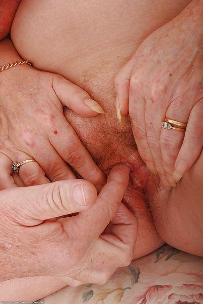 Masturbación con la mano fotos