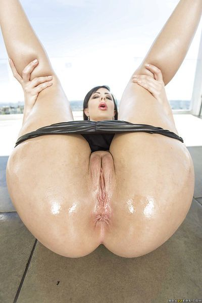 Big bottomed Latina babe Dollie Darko shows off big butt and tight asshole - part 2