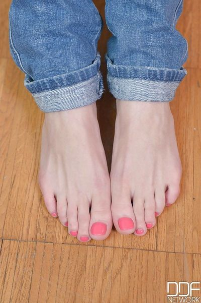 Cute teen girl Felicia removes shoes and reveals pretty painted toes