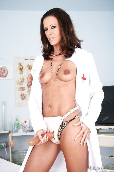Brunette Maia pegging ass with strapon & giving handjob in doctor\