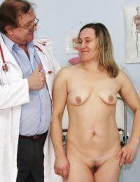 зрелые леди с дряблые сиськи получает ее киска побеспокоился :по: Гинекология