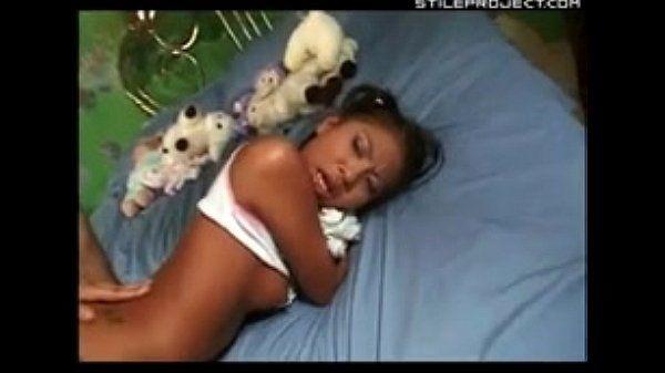 थोड़ा जेड Marcela चंगुल उसके गुड़िया और हो जाता है उसके गांड गड़बड़ इससे पहले स्कूल