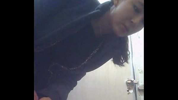 spycam young girl pissing