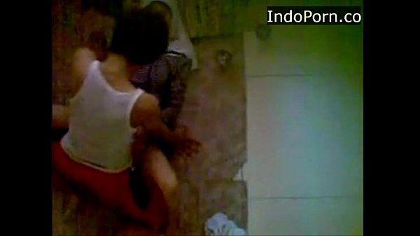 spycam neightboor wearing jilbab having sex on the floor Indo scandal