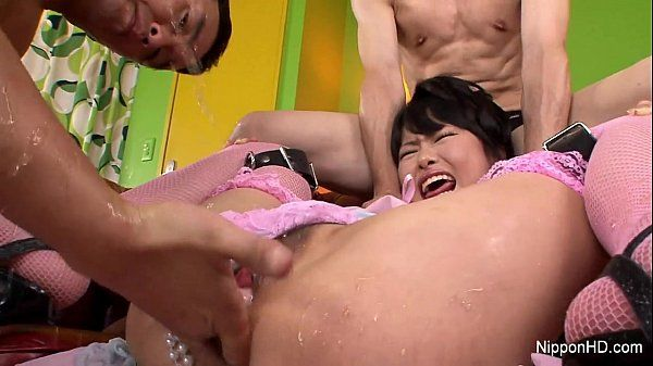 Japanese babe gets filled HD