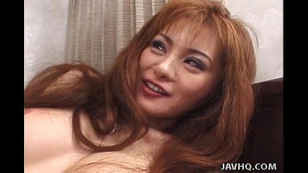 Asian hottie gives good blowjob and gets facial