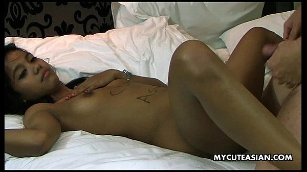 Just an everyday regular missionary fuck of her cunt HD