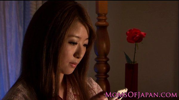 Mature Japanese in pyjama pleasures self HD