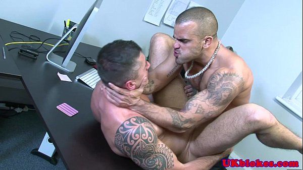 English muscled jock anal romp on deskHD
