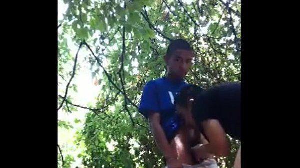 Metendo no lek no matagal