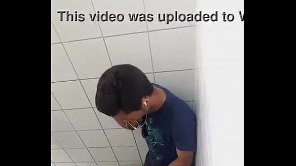 Pegacao no banheirao