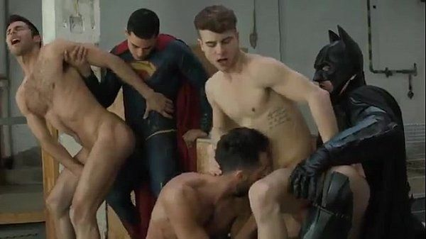 Trailer do filme Batman vs Superman Gay XXX Parody