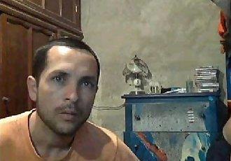 Chacal mexicano guapo y vergon se viene y su amigo se asquea Mexican hung cums