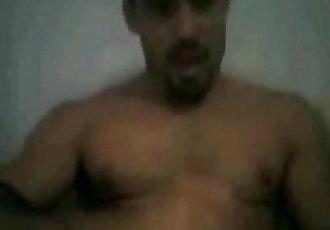 Big Brother Brasil 12Yuri se masturbando na cam. www.hausofgaay.blogspot.com