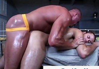 Straight guy gay masseuse ass fuck handjob cumshot