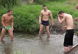 Foursome bareback fun out in the countrysideWilliamHiggins Wank PartyHD