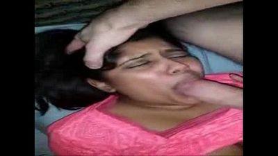 Indian milf suck her white boyfriend and cummed 480p - 36 sec