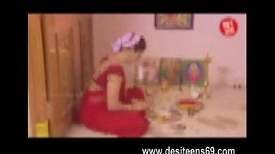 Indian Hindu Housewife Very Hot Sex Video www.desiteens69.com - 4 min