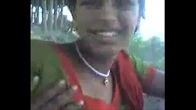 desi sangali Village Girl showing boobs to lover outdoor - 3 min