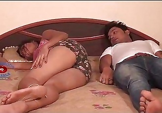 Indian Horny Shruti Bhabhi Love Me On Bed - 7 min