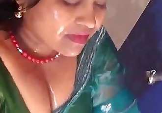 HOTTEST BATHING BY HOT AUNTY - 3 min