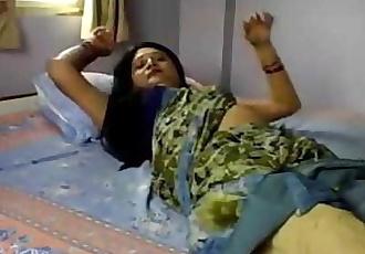 Desi Woman Showing Pussy 2 min