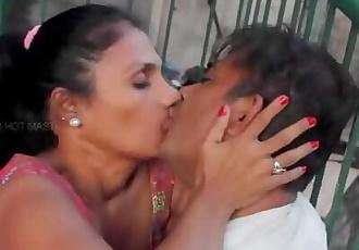 desi hot tantchen big boobs
