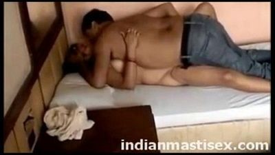 randi indian hindu lady having sex with a Muslim man - 4 min