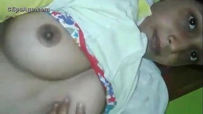 desi girl showing her assets FOR MORE http://atominik.com/32Fa - 1 min 40 sec
