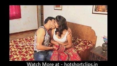 Big Boobs Indian Desi Aunty Sex in Black Bra - hotshortclips.in - 3 min