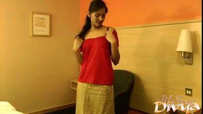 Desi Indian Teen Girls Hindi Dirty Talk Home Made HD Porn Video - 3 min