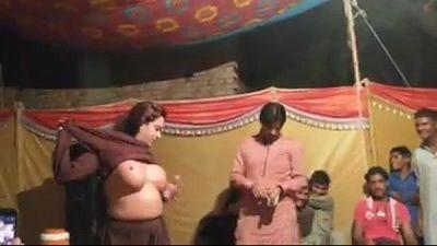 Pakistani Nude Dance - 2 min
