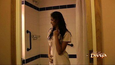 Indian pornstar babe divya seducing her fans with her sex in shower - 2 min