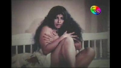 Sumana Gomes from the Movie Ragaye Unusuma - 3 min