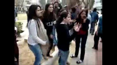 Desi Girl Protest With Maa Bahen Ki Gali - 49 sec