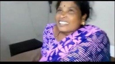 Desi Telugu Aunty Sucking Supervisor Cock For Money - 1 min 25 sec