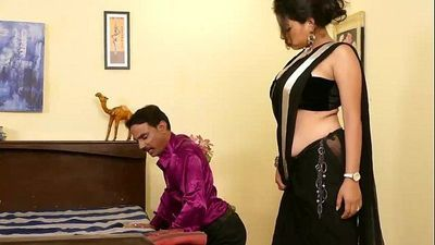 Indian Desi Sexy Dehati Bhabhi ne Massage liya Doctor se - 6 min