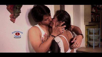 inclip.net - Shilpa Bhabhi Hot Romance - 5 min