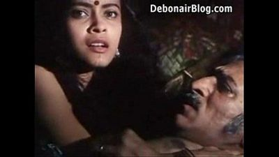 Hot Desi Filim Kissing olderman - 1 min 25 sec