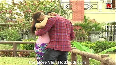 Hot Indian short films- Hot Andhra aunty romancing with her lover in open public park boob squeeze - 8 min