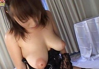 Busty Japanese Girlfriend Receives A Hot Facial - 5 min