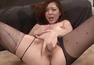 Maki Mizusawa loves having jizz on her lips - 12 min