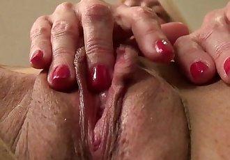 American milf Tricia Thompson needs orgasmic pleasureHD